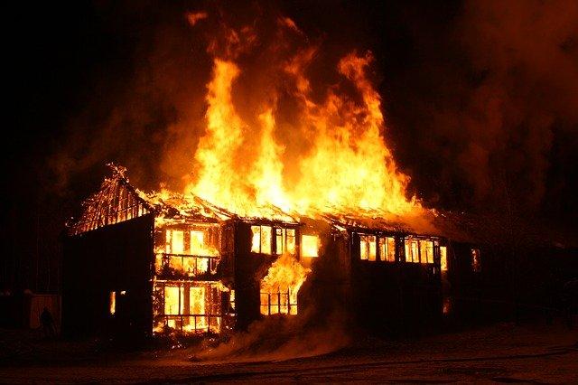 Danger maison en feu espagnol